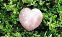 Neli kristalli südame turgutamiseks