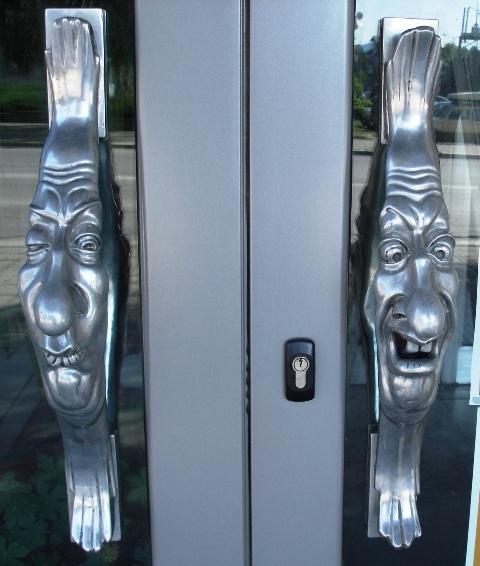 naeruteraapia ukse käepidemetel