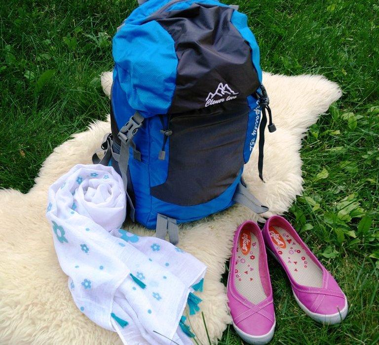 käsipagasiga reisile - seljakott sall ja kingad