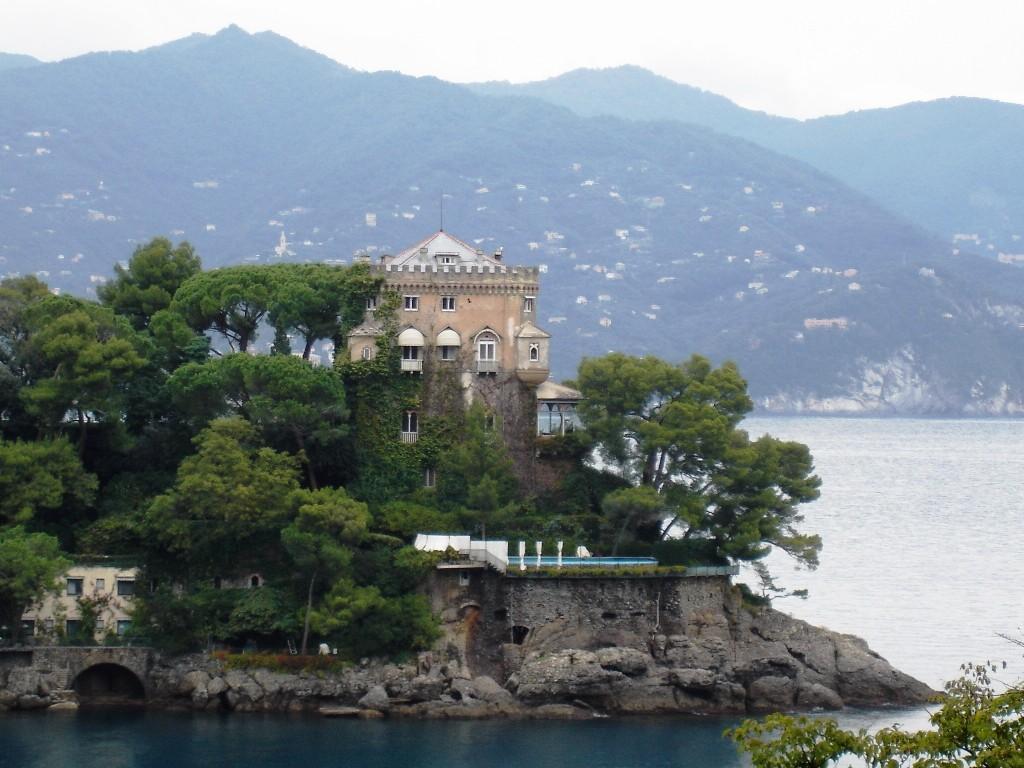 meri, mäed ja loss