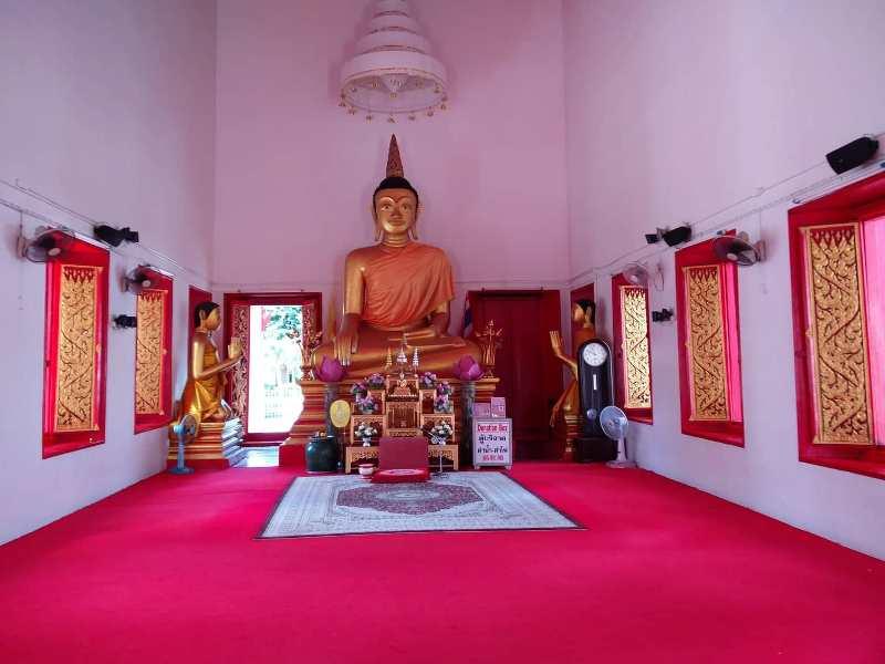 Phuket Town temple