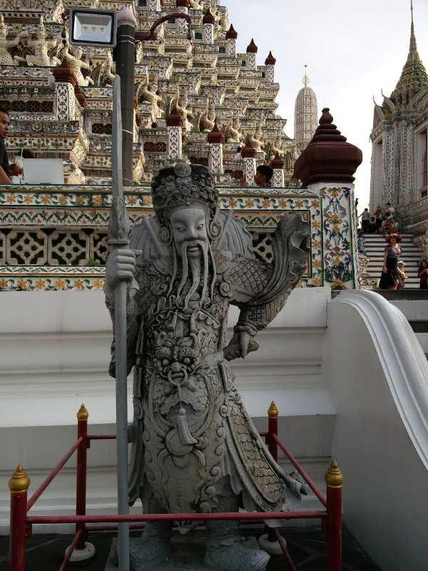 Wat Arun guardian